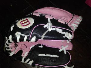Wilson girlie baseball glove for Sale in Los Angeles, CA