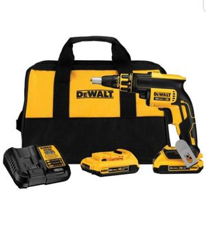 DEWALT 20-Volt MAX XR Lithium-Ion Cordless Brushless Drywall Screw Gun Kit with (2) Batteries 2Ah, Charger and Contractor Bag for Sale in Miami Springs, FL