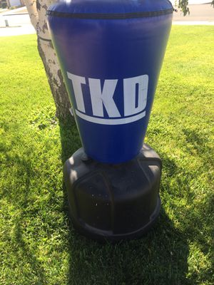 TKD punching bag , excellent Condition, $50 Deliver Available for Sale in Victorville, CA