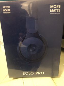 Beats solo pro Pharrell Williams edition for Sale in Los Angeles,  CA