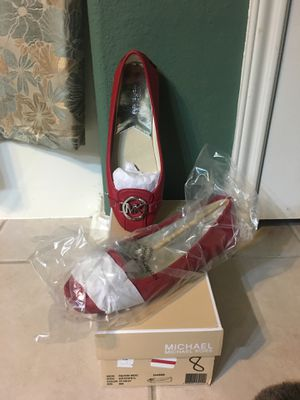 BRAND NEW!! Michael Kors Fulton Moc flats Size: 8 M Color: Scarlet/Silver MK Retail: $99.00 SERIOUS BUYERS ONLY!! PICK UP ONLY 77090 area NO TRADES for Sale in Houston, TX