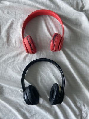 Beats by Dre solo 3s (wireless and Bluetooth) for Sale in Miami, FL