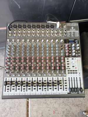 Behringer XENYX 2442fx mixer for Sale in Phoenix, AZ