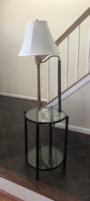 Glass end table for Sale in Manassas, VA