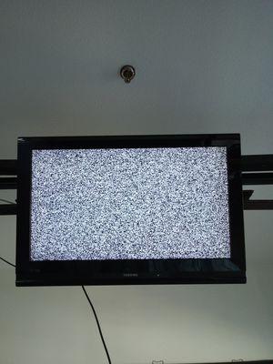 39 Inch Toshiba HD TV for Sale in Boston, MA