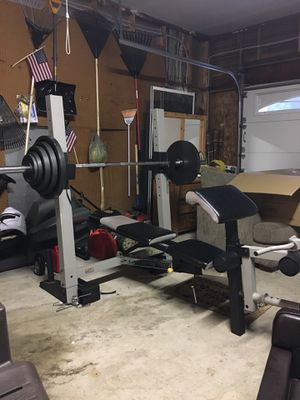 Gold's Gym Pro Series Bench & Weights for Sale in Woodbridge, VA