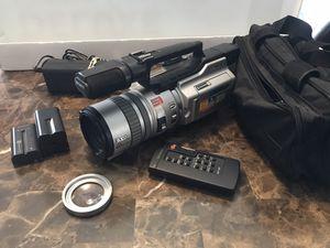Sony DCR-VX2000 NTSC Digital Handycam + Accessories As Pictured for Sale in Carpentersville, IL