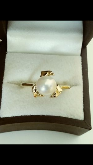 New *BEAUTIFUL* Solid 14k Solid Yellow Gold with NATURAL FRESH WATER PEARL and Dolphins design ring size 9-1/2 $380 OR BEST OFFER for Sale in Scottsdale, AZ