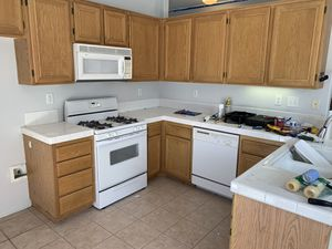 Kitchen Cabinets and Appliances for Sale in Fontana, CA