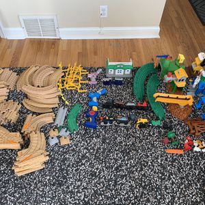 GEOTRAX GEO Trax HUGE LOT Trains Kids Toys for Sale in Minneapolis, MN