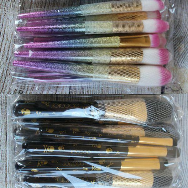 Bundle Of 2 MakeUp Brushes