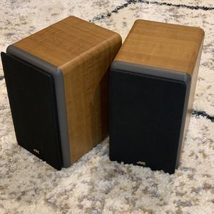 2x JVC 30W each Bookshelf Speaker. Pristine Condition for Sale in Happy Valley, OR