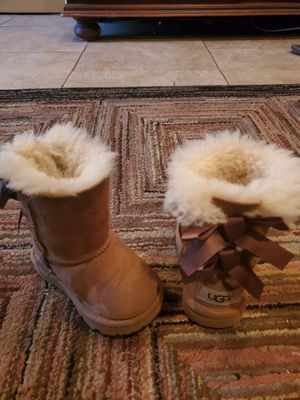 Authentic Lil Girls Ugg Boots for Sale in Lemon Grove, CA