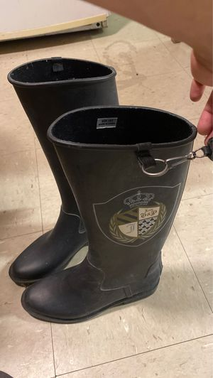 Juicy couture rain boots (New) size 9 for Sale in Boston, MA