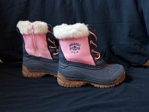 Girls Oshkosh winter boots size 11 for Sale in Centennial, CO