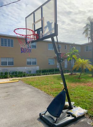 Basketball Hoop for Sale in Miami Shores, FL