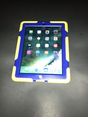 Apple iPad with Retina Display MD510LL/A (16GB, Wi-Fi, Black) 4th Generation $140 for Sale in Indianapolis, IN