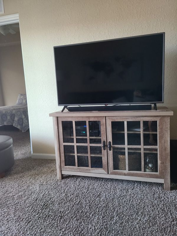 LG Qthin 50 inch smart TV and stand
