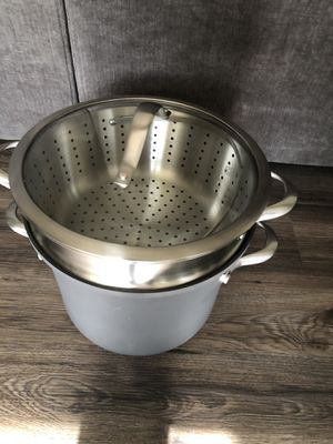 Brand new 8qt Calphalon steamer pot for Sale in Boise, ID