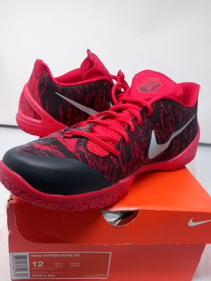 Workout in these lightweight attention grabbers Nike Hyperchase pe for Sale in Miami, FL