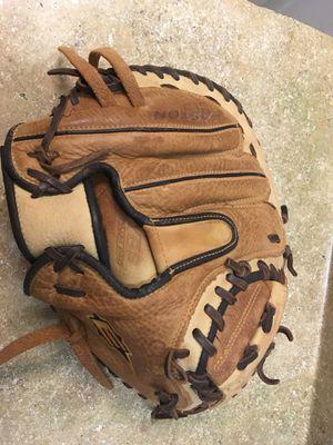 Left Easton Men's Baseball Glove Natural Elite Steer Hide for Sale in Chandler, AZ