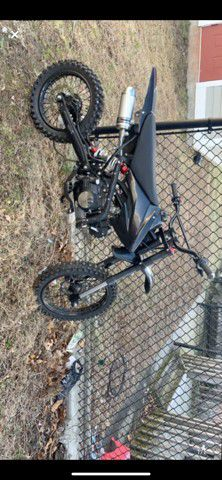 125cc 4 stroke need a chain asking $400 for Sale in Brockton, MA