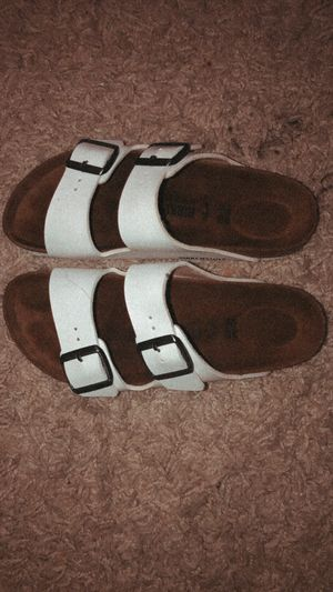 White Birkenstock's (only worn twice) for Sale in Centreville, VA