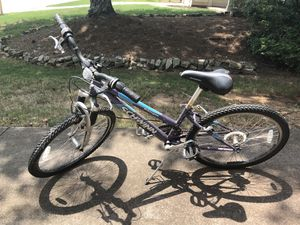 $75 - schwinn bike for Sale in Duluth, GA