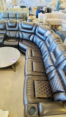 Power Reclining Sectional for Sale in Massapequa,  NY