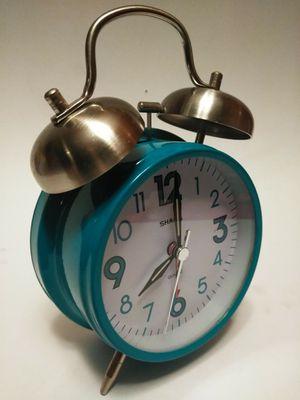 SHARP teal quarts alarm clock for Sale in Waterbury, CT
