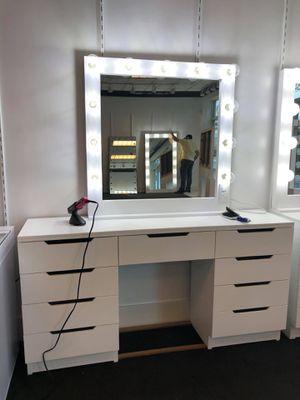 Makeup vanity 💡💡💡💡❤️❤️❤️ for Sale in Dallas, TX