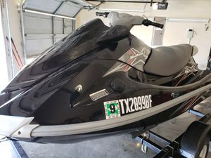 2010 vx110 deluxe wave runner and trailer for Sale in Arlington, TX
