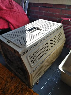 Colapsable pet crate, great condition for Sale in Roanoke, VA