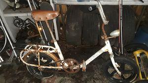 Vintage folding bike for Sale in Orlando, FL