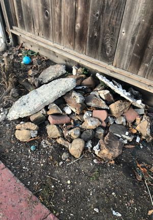 Rocks, pavers , bricks free for Sale in Oakland, CA