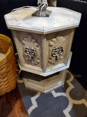 End table for Sale in Blackwood, NJ