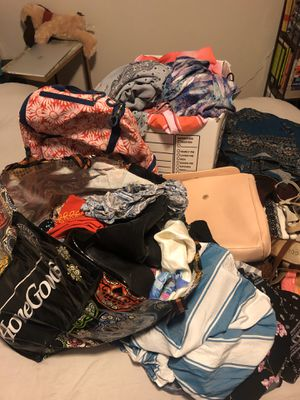 Lot of Women's / Juniors clothes for Sale in Tampa, FL