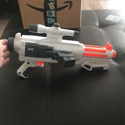 Star Wars Nerf Gun With Site And Trigger Lights And Sound And Holds 6 Foam Bullets for Sale in Los Angeles, CA