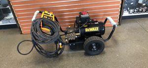 DeWalt 2000 PSI 3.0GPM Electric Pressure Washer W/ Zero-G hose for Sale in Chelsea, MA