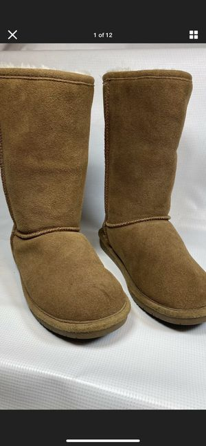 Bear Paw, Women's Classic Hickory Colored Boots, Brow, Size 7. for Sale in Palmdale, CA