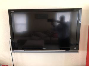 Sony 40 inch Bravia TV model number KDL 40W4100 for Sale in San Jose, CA