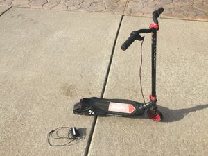 12 volt Kids Rechargable Electric scooter for Sale in New Baltimore, MI