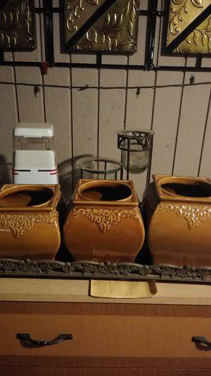 Ceramic flower pots beautiful for Sale in Glendale, AZ
