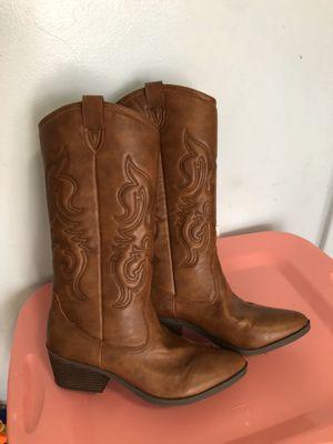 New cowboy boot women size 8/8.5 pick up at timber dr garner for Sale in Garner, NC