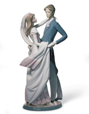Lladro I Love You Truly Couple Figurine for Sale in Seattle, WA