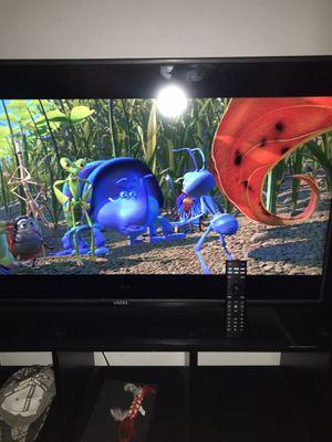 32 inch Vizio smart tv for Sale in Arlington, TX