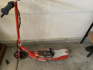 Razor electric scooter for Sale in Las Vegas, NV