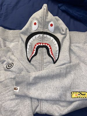 BAPE SWEATER 100% AUTHENTIC for Sale in New York, NY