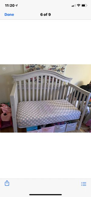 BAby crib wood barely used with mattress brand name for Sale in South Brunswick Township, NJ