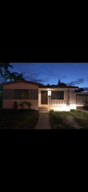 Casa renta 4/2 for Sale in Miami, FL